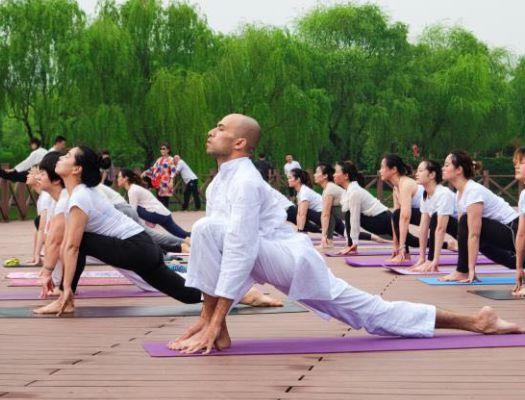 yoga-teacher-1